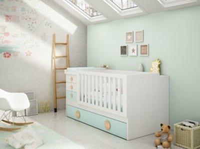 Dormitorio Infantil Piñero y Cabrero con cuna: Blanco, roble y agua